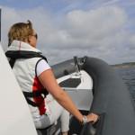 Grabbhandtag på styrbord och babord sida på pontoner